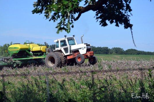 case tractor & john deere planter