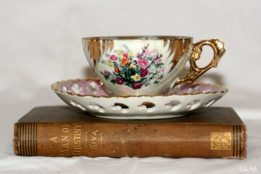cup and book_9719ews
